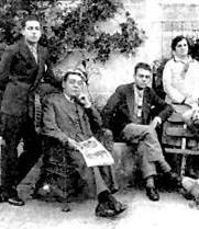 Darío Álvarez Blázquez, el segundo por la derecha, junto a su padre Darío Álvarez Limeses