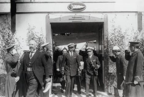 Alfonso XIII visital el Naútico en1927. Fotografía Ángel Llanos