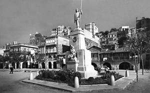 La estatua del Berbés, homenaje al pescador.