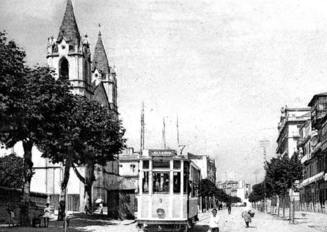 El tranvía a su paso por García Barbón