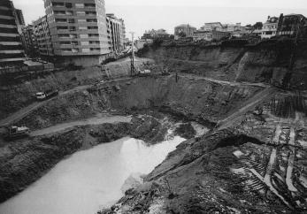Plaza Elíptica. Excavaciones en 1994. Fotografía Magar
