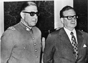 Augusto Pinochet con Salvador Allende