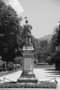 Estatua de Méndez Núñez en la Alameda. Fotografía Eduardo Galovart