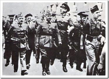 Franco entrando en Burgos en 1936