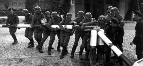 Soldados alemanes en Polonia