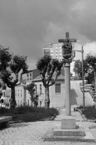 Calle Pobladores con crucero. Fotografía Eduardo Galovart