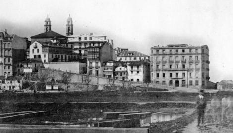 El relleno para construir la Alameda en los años 80 del siglo XIX. Fotografía Pacheco