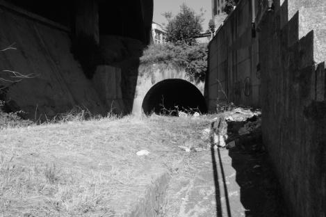 Boca del túnel debajo de la calle Alfonso XIII. Fotografía Eduardo Galovart