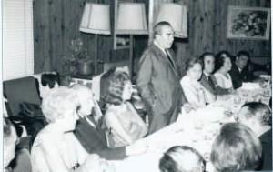 El alcalde Rafael J. Portanet en una reunión