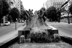 Escultura de los Rederos en la Gran Vía. Fotografía Eduardo Galovart