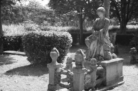 Tumba de Heraclio Botana en el cementerio civil de Vigo. Fotografía Eduardo Galovart