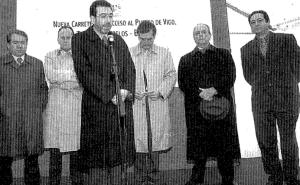 El alcalde Pérez Castrillo, Manuel Fraga, Cuiña Crespo, Diz Guedes, Manuel Pérez y Carlos Príncipe inaugurando el primer cinturón. Fotografía Magar Faro de Vigo