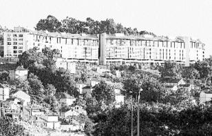 El edificio del pIricoto en la colina de Castrelos. Fotografía Faro de Vigo