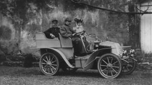 Renault modelo de 1902 de 2 cilindros y 10 Hp similar al de la familia Curbera